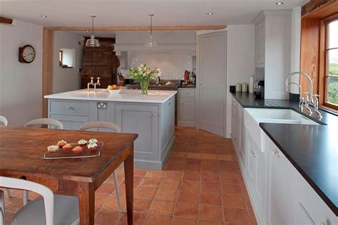 terracotta tiles in kitchen 20 interiors that embrace the warm rustic of 6035