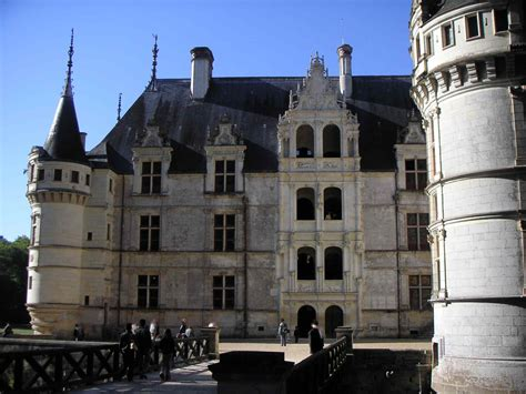 file azay le rideau cour int 233 rieure jpg wikimedia commons