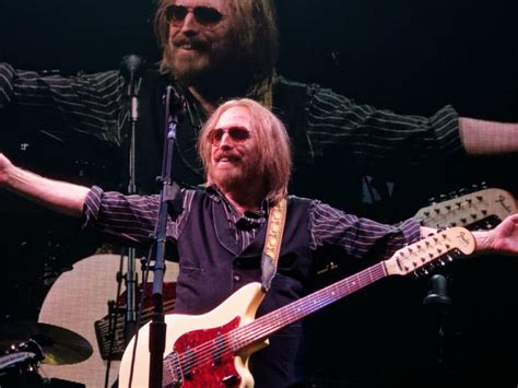 tom petty swimsuit tom petty the heartbreakers concert the style bouquet