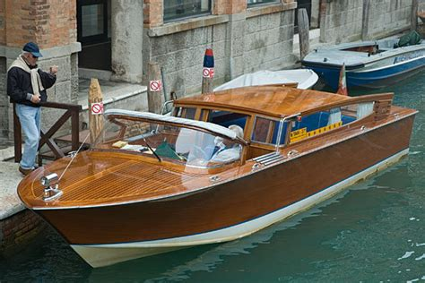 Boat Prices In Venice by Taxi Services Venice Taxi In Venice Italy With