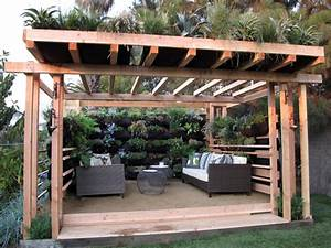 California style outdoor spaces by jamie durie outdoor for Whirlpool garten mit balkon pergola