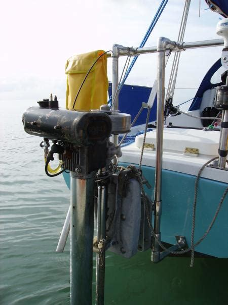 Small Boat Engine Mounts by Suzuki Outboard Engines Tukang Copas