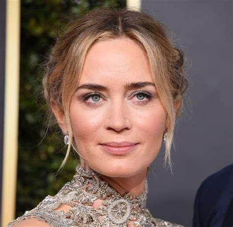 Emily olivia leah blunt (born 23 february 1983) is a british actress. Emily Blunt at the Golden Globes   Emily Blunt's Skin Secrets   POPSUGAR Beauty Photo 12