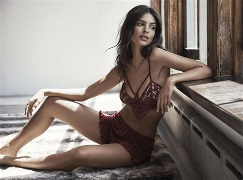 Emily Ratajkowski flashes her sizeable bust in raunchy ...