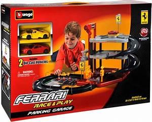 Garage Größe Für 2 Autos : bburago ferrari parking garage 2 cars bburago ~ Jslefanu.com Haus und Dekorationen