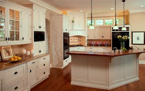 cape cod style kitchen cabinets cape cod shingle style lake home traditional kitchen 8059
