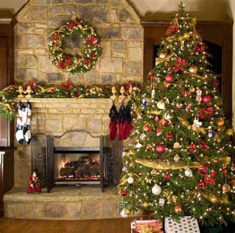 healthy wealthy tree decorating