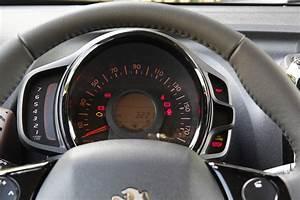 Peugeot 108 Automatique : a l 39 int rieur de la peugeot 108 ~ Medecine-chirurgie-esthetiques.com Avis de Voitures