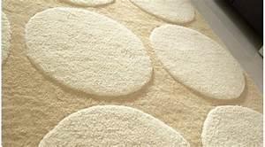 Tapis Beige Pas Cher : tapis 100 laine beige et blanc tapis haut de gamme pas cher ~ Teatrodelosmanantiales.com Idées de Décoration