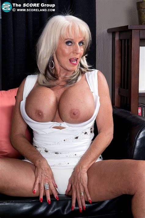 Hot Mama Sally Dangelo 40 Photos Scoreland