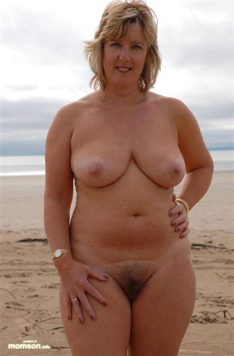 FREE Busty Amateur Mom Nude Pics | QPORNX.com