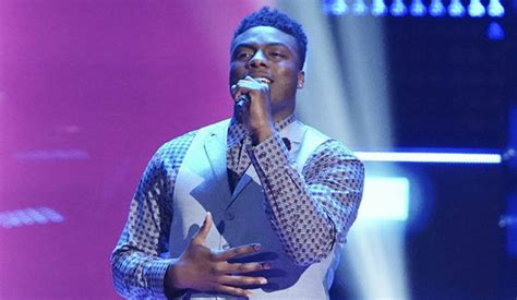 kirk jay blind audition blake shelton advances kirk jay to the voice live shows
