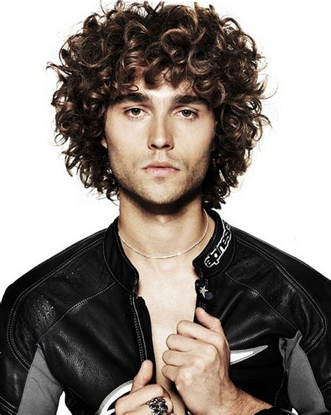 Mens Hairstyles Curly by Curly Mens Medium Hairstyles