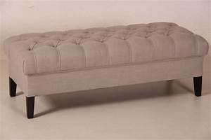 Couch Mit Großer Liegefläche : gro er hocker mit buttons ~ Bigdaddyawards.com Haus und Dekorationen