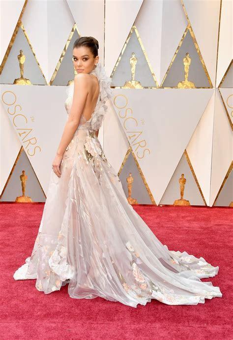 Hailee Steinfield Oscar 2017 Red Carpet Arrival Oscars