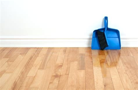 How To Clean Hardwood Floors Distriburs Cleaning