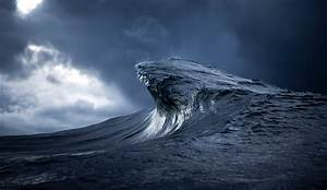 Ray collins the inertia39s 2014 portfolio challenge winner for Wave photography ray collins