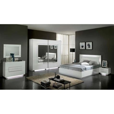 modele d armoire de chambre a coucher chambre à coucher modèle city laquee blanche avec armoire