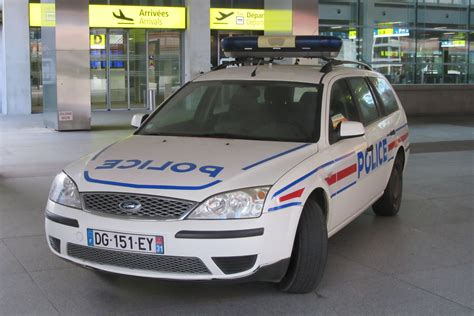 French Police Car (blagnac 01).jpg
