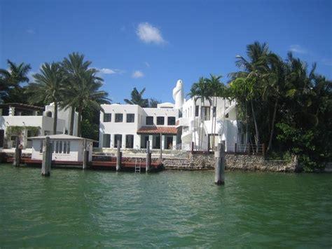 villa di rihanna picture of miami tour company miami