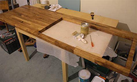 repeindre un plan de travail en stratifie peindre un plan de travail de cuisine comment peindre