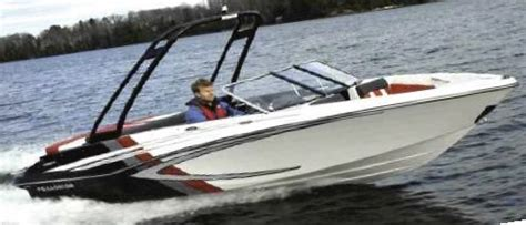 Glastron Boats Reviews 2013 2013 glastron gts 185 tested reviewed on boattest ca