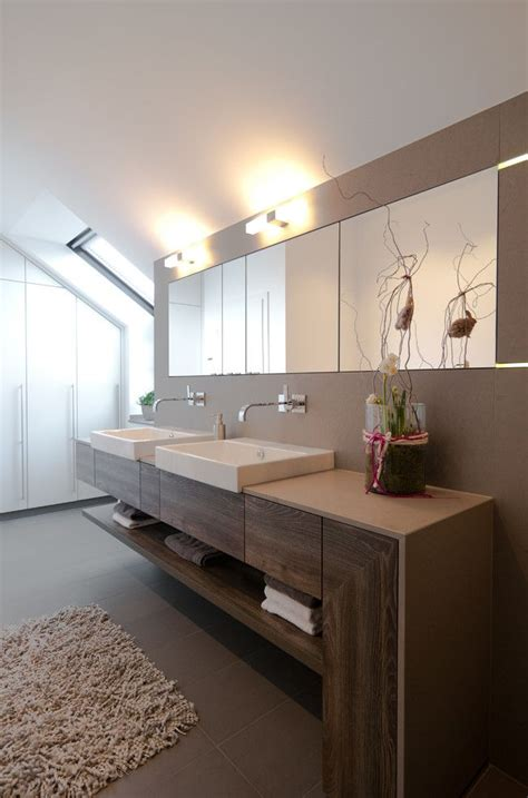 Moderne Badezimmer Waschtische by Schlafzimmer Einbauschrank Im Modern Badezimmer Mit