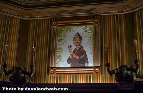 close up christmas level 7 13 facts about disney s haunted mansion mental floss