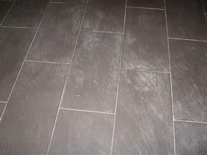 comment enlever les traces blanches sur le carrelage noir With comment nettoyer les joints de carrelage de sol