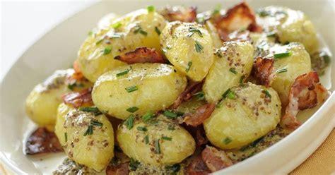 Sallatë me patate dhe proshutë të tymosur - Sallatat