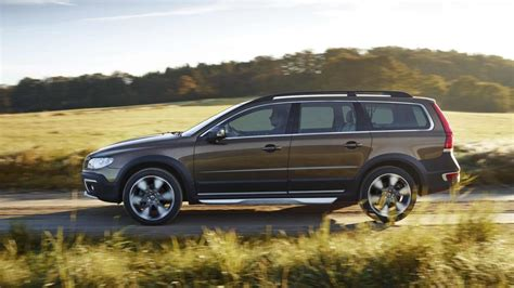 2016 volvo xc70 big family car the news wheel