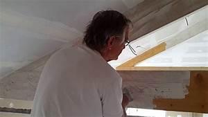 Blanchir des poutres apparentes en bois brut youtube for Peinture poutre en bois