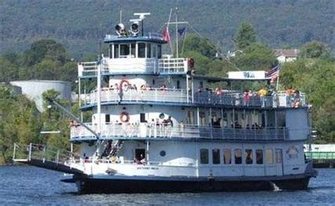 Dinner On A Boat In Tennessee by 1000 Images About Riverboats On