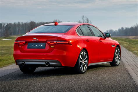 2019 Jaguar Xe And Xf Sedans Get Enticing Style Upgrades