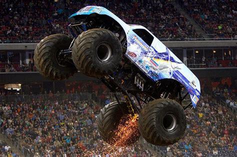 monster truck show houston 2014 steven sims and the hooked monster truck light up houston