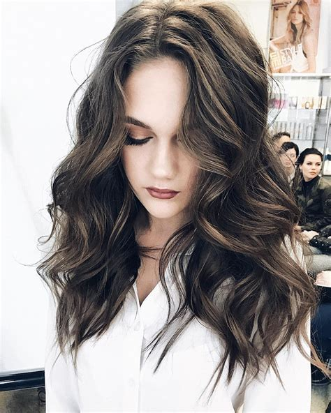 10 Gorgeous Long Wavy Perm Hairstyles Long Hair Styles 2020