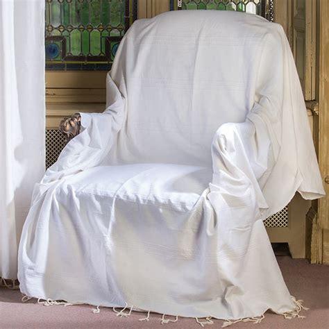 jeté de canapé blanc jeté de canapé format rectangulaire tout uni blanc écru