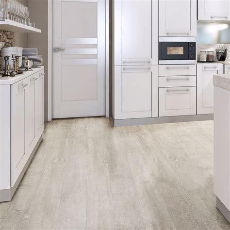 white natural oak effect waterproof luxury vinyl click