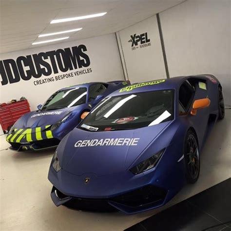 team gendarmerie de saint tropez en sport auto