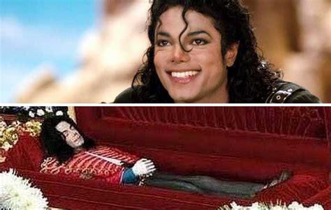12 Haunting Funeral Photos Of Dead Celebrities