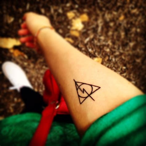 harry potter deathly hallows tattoo ive
