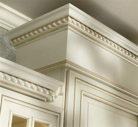 kitchen cabinet door molding cabinets crown molding it s all in the details 5294