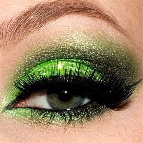 green eyeshadow   st patricks day  girls life blog
