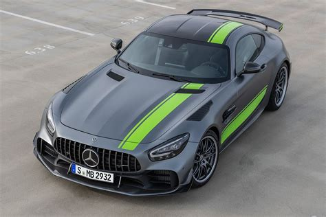 More power for the coupe and roadster. Even Better Than Before - New Mercedes-AMG GT R PRO 2020