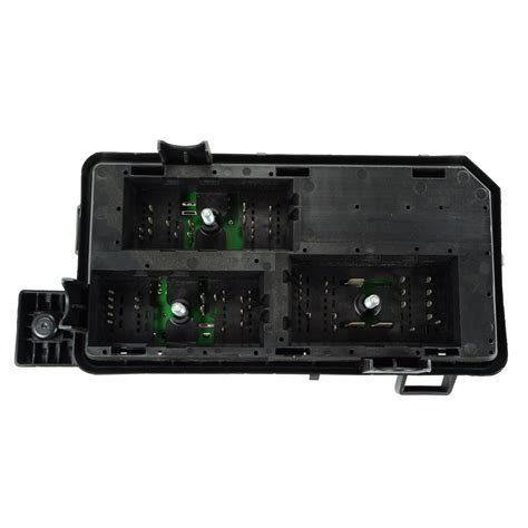 Buick Lucerne Fuse Box by 2010 11 Buick Lucerne Engine Fuse Relay Box With Fuses