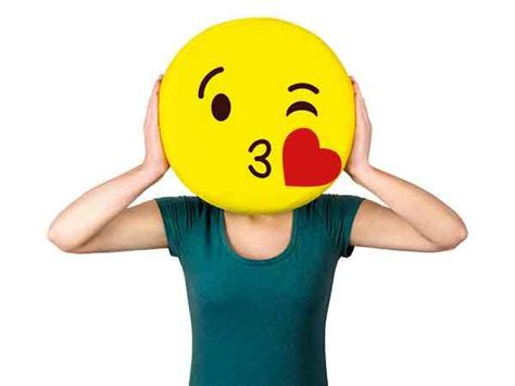 Don't Pout, Use A Kissy Face Emoji, Instead!