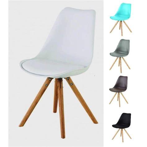 chaise pied bois assise plastique chaise coque plastique pied bois table de lit