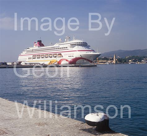 Cruise Ship In Spanish | Fitbudha.com