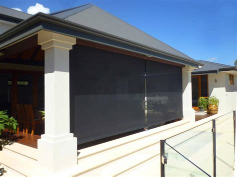 Classy Looking Outdoor Shade Blinds Photo