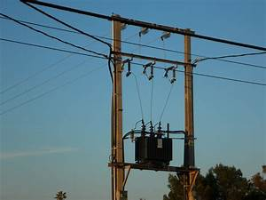 How Do Electrical Transformers Work